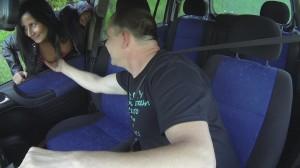 Titten Check bei der Strassennutte