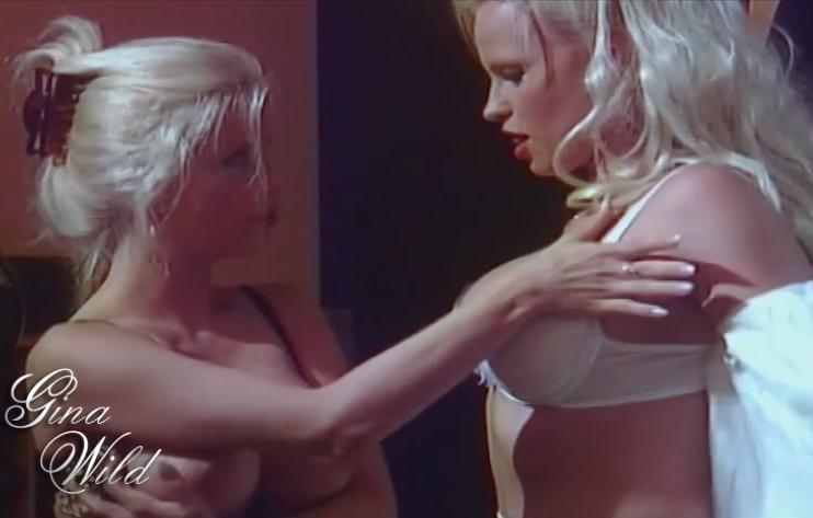 Zwei Blondinen mit riesen Titten in voller Lesben Action