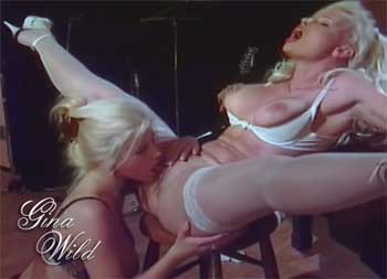 Zwei Lesben Milfs in Action
